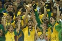 43600_neymar-levanta-copa-confederaciones-2013-seleccion-brasil