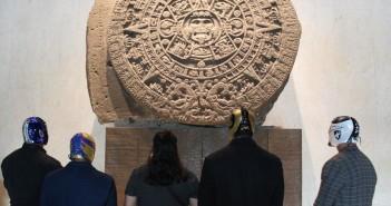 Gladiadores del CMLL estuvieron en el Museo Nacional de Antropología