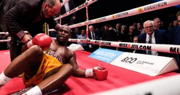 Peleador se encuentra grave tras knockout
